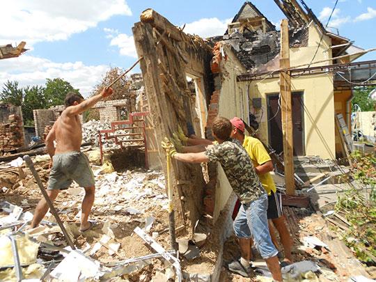 Ручной демонтаж старого здания