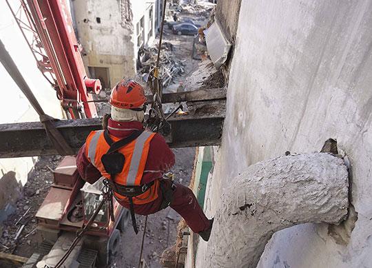 Разборка и разрушение строительных конструкций