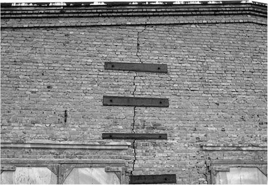 Укрепление стен зданий и сооружений